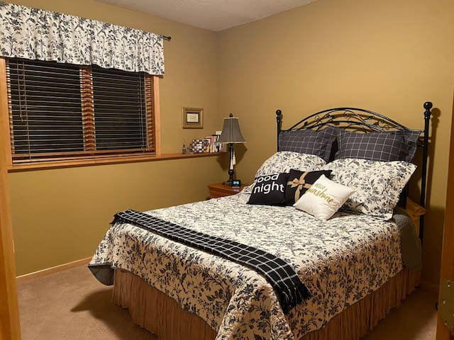 Bedroom #1: Quen size Select Comfrot (Number Bed) for two sleepr's comfort. USB charging at bedside, walk in closet, full dresser.