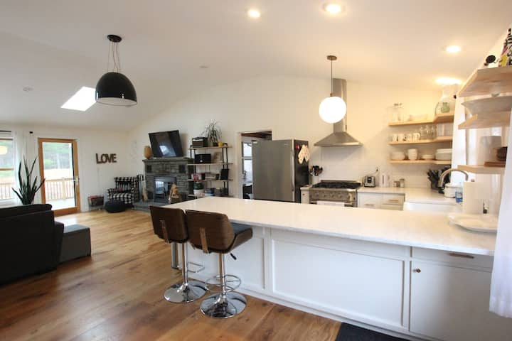 Gorgeous Designer Home in The Catskills!
