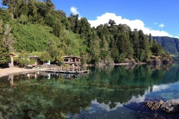 Isla maravillosa en Lago Rupanco, Chile
