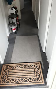 Flat entryway into the house, the hallway is about 80cm.