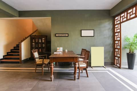 Luxury serviced apartment with cosy private sitout