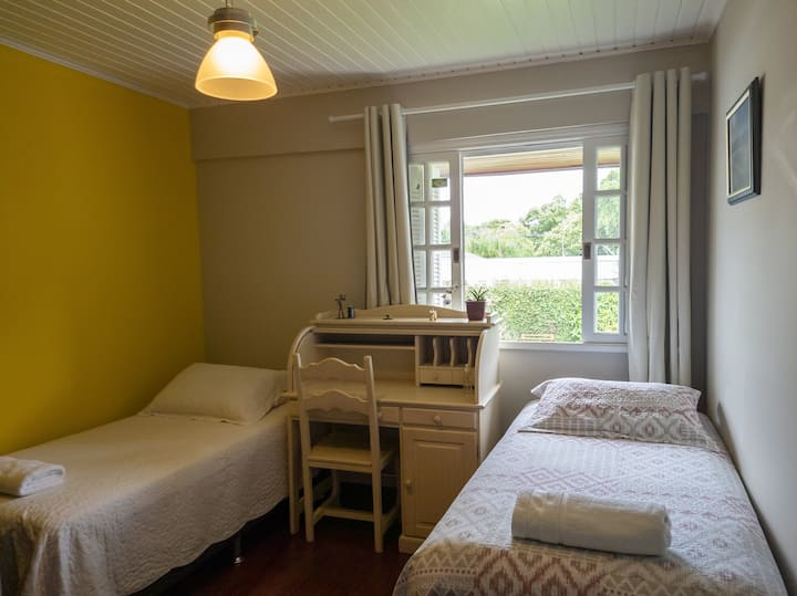 COMFORTABLE ROOM NEAR BARIGUI