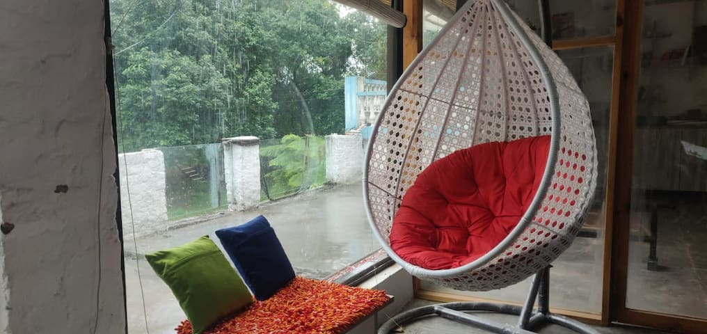 Farm house Garden 4 private parties in Chattarpur!