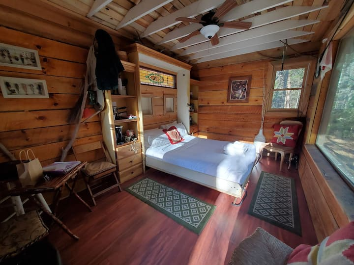Riverbright Treehouse - 50ft from the Toccoa River