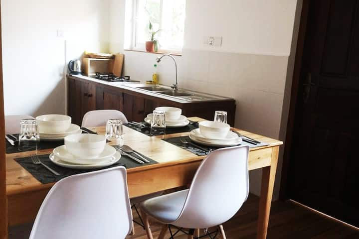 B. STUDIO IN TOWN+BIG DISCOUNT FOR LONGER STAY