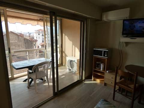 Agréable studio centre de Cannes, proche Croisette