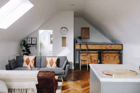 The Loft @ Bancran School: Private Apartment