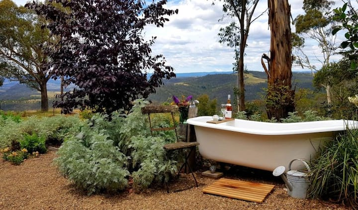 Wattle cottage , views and outdoor bath