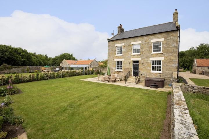Thirley Cotes Farmhouse