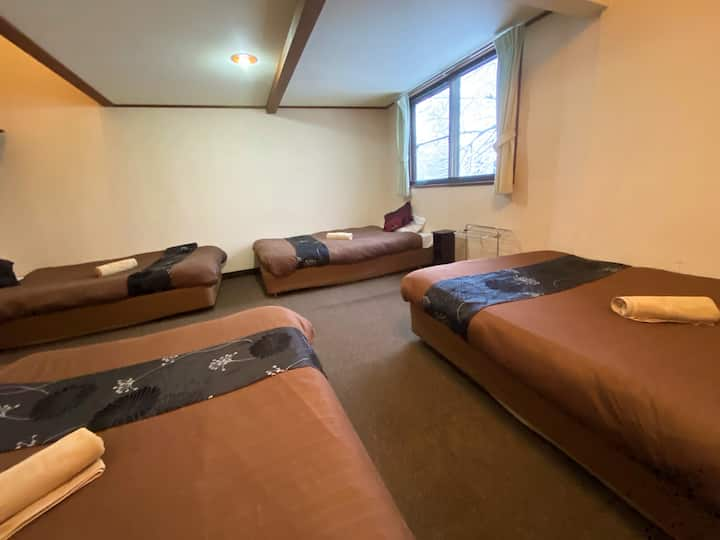 Hakuba Snowdrift Lodge, private 4 person room