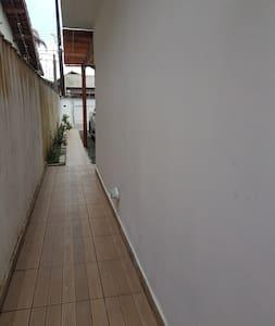 Amplo corredor para entrada