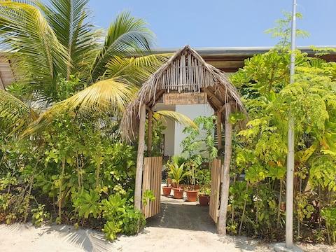 Raakani Home (3rooms), H.Dh.Hanimaadhoo, Maldives