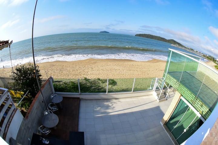 Casa Pé na Areia em Piçarras-SC