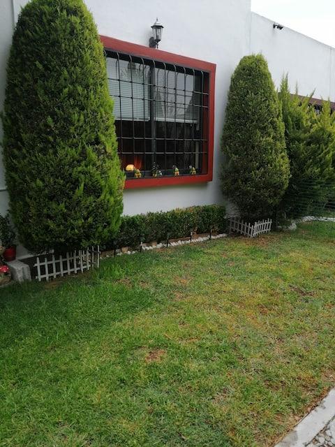 Casa rodeada de vegetación, paz,armonía ,seguridad