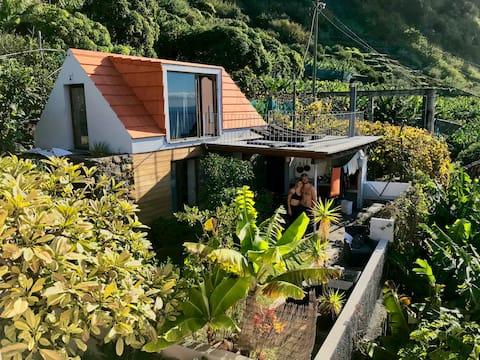 Romantic Seaside Cottage - Jardim do Mar