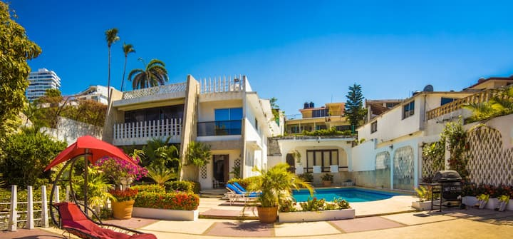 Beautiful House with Private Pool in Old Acapulco