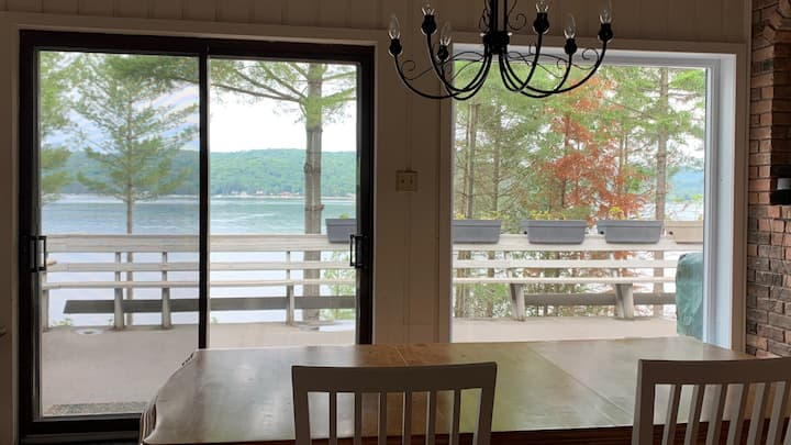 Big waterfront cottage Lake Achigan - Laurentides