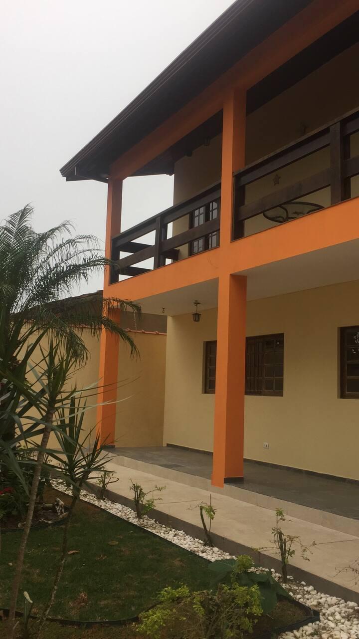 Casa Excelente em Peruíbe, 300 metros da praia!!!