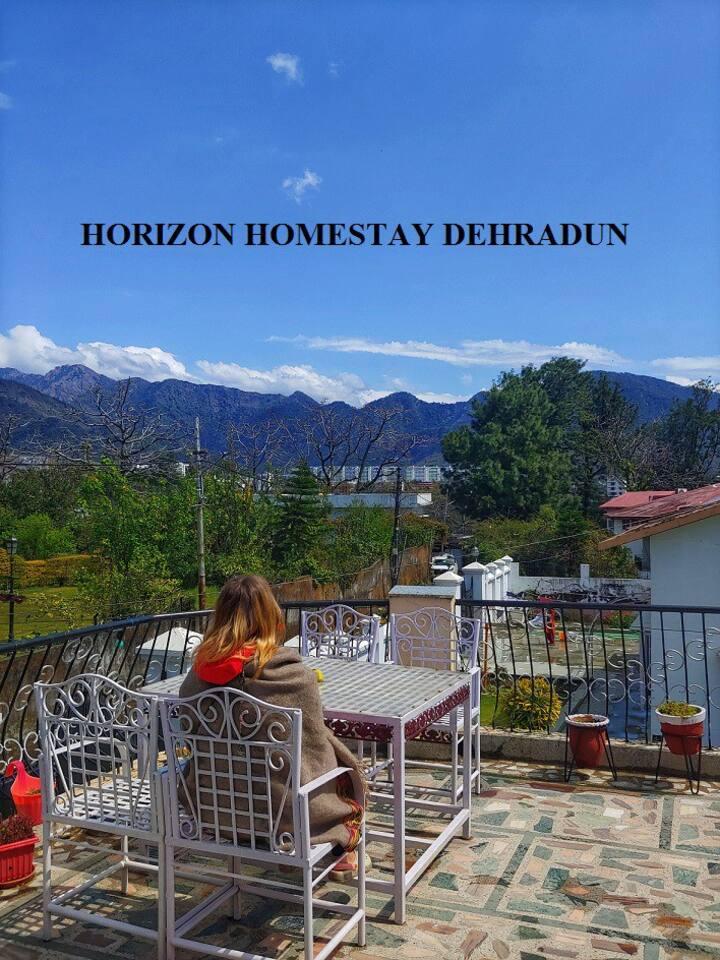 Horizon Homestays- Panoramic Glass room on terrace