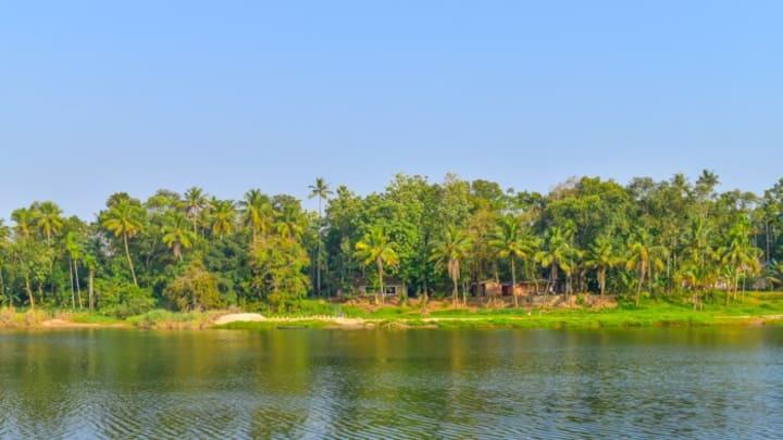 Pranayakulam Village Riverside home. apartment - 3