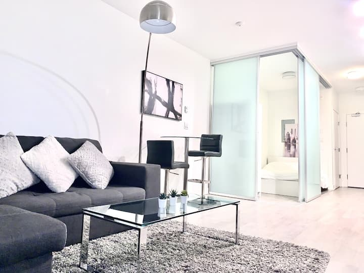 Prime location in Kitsilano, 1 bed, Penthouse, new