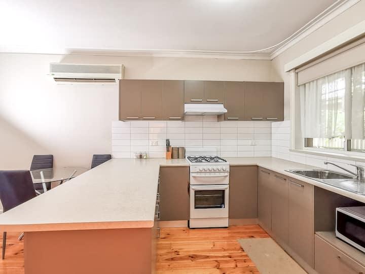 Mildura 1 Bedroom Deluxe Apartment Shamore - 3