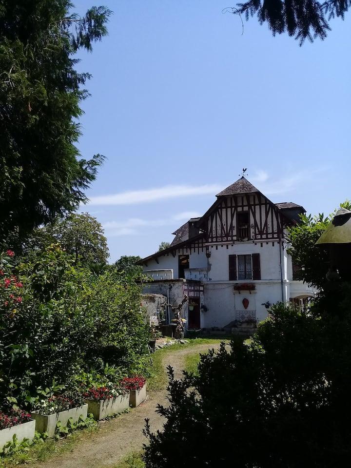 """Chambre vintage 2 pers. dans maison """"Belle époque"""""""