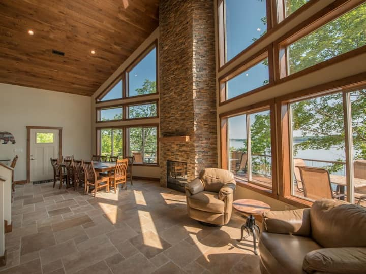 7 Bedroom Lake-Front Cabin near the Smokies #5