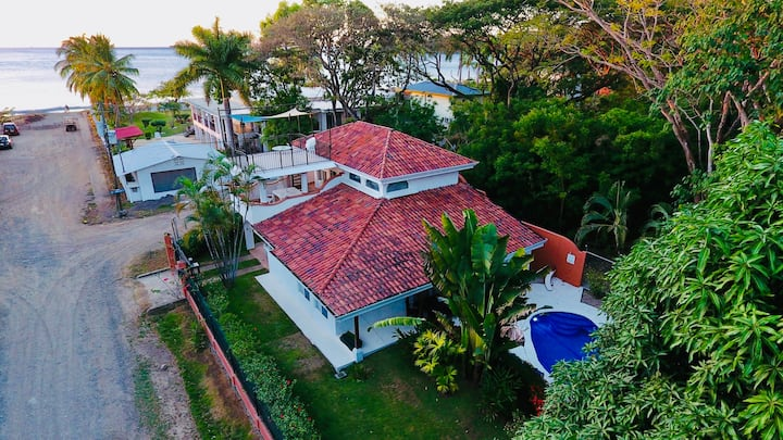! New Prices ! Luxurious Villa close to the Beach