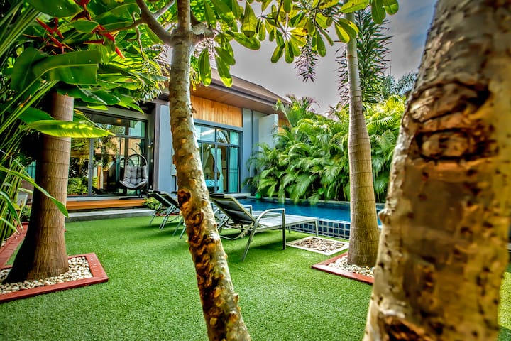 ♛Exclusive Tropical Two-Bedroom Private Pool Villa