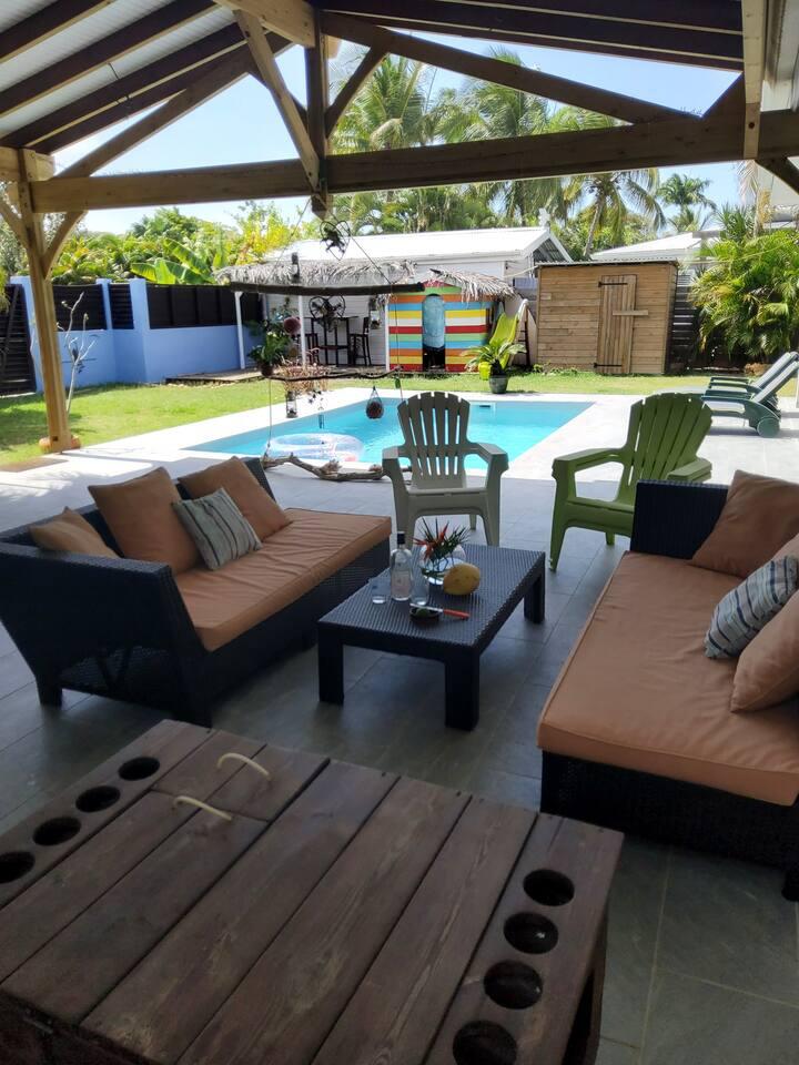 Maison F4 avec piscine à 5 min à pied de la plage