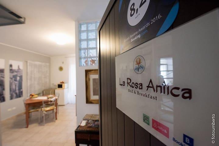 Camera confortevole - centro storico a Caltagirone