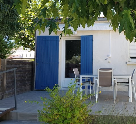 Les Micocouliers - Charming studio