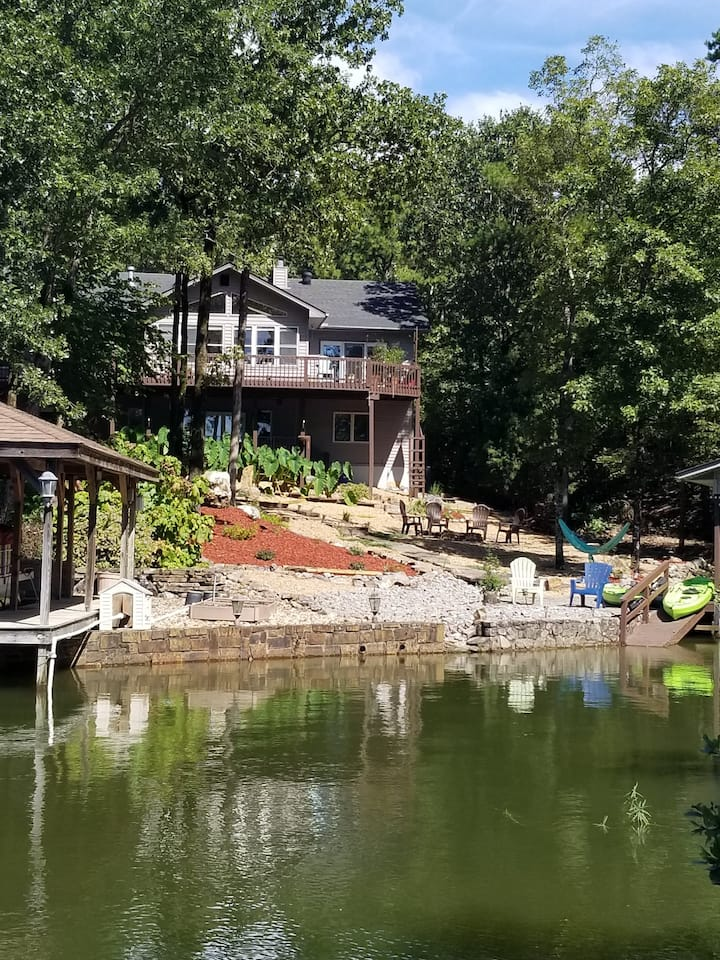 Serene lakefront-1900 Sf- Kayaks, Full Bkfst Incl