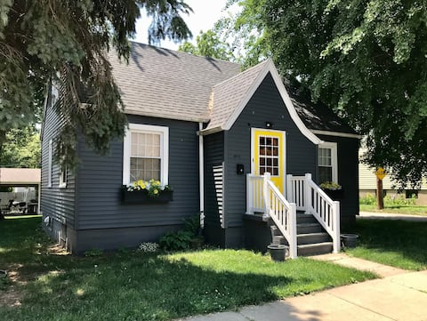 The Lindberg Cottage  - 10 Minutes to Starved Rock