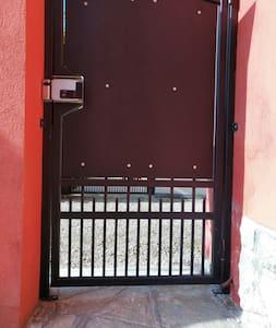 入口通道無台階