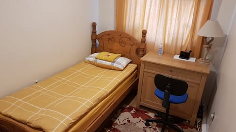 STAY AT COZY AND QUIET ROOM WITH PRIVATE SHOWER