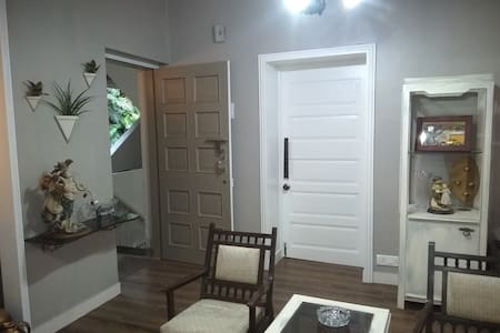 Well lit, large entry way and a light from the inside as well to make errand at night easy