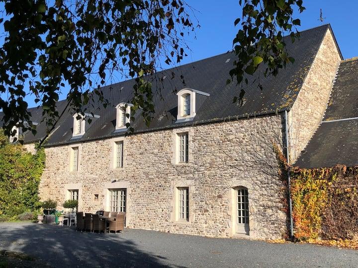 La Vieille Abbaye Gite 15 personnes à la ferme