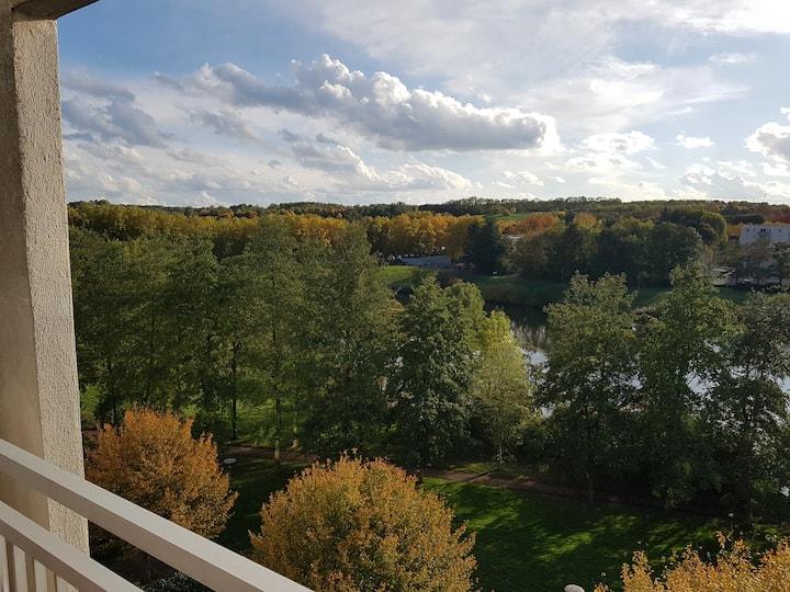 Bel appart avec balcon et très belle vue sur parc