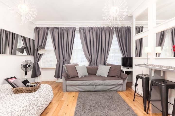 FRI-1 - New SOHO Studio Apartment