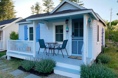 The Maine Blueberry Cottage: Perfect Getaway 2021