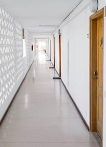 Stufenloser Zugang zum Außeneingang
