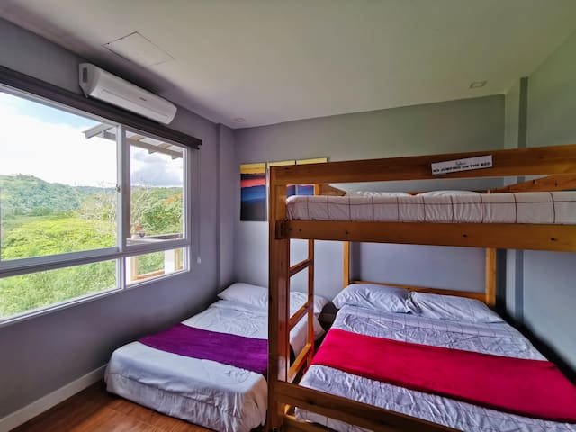 Room 3 - 2ND FLOOR facing lush green gold course  TRIPLE DECK   3 beds