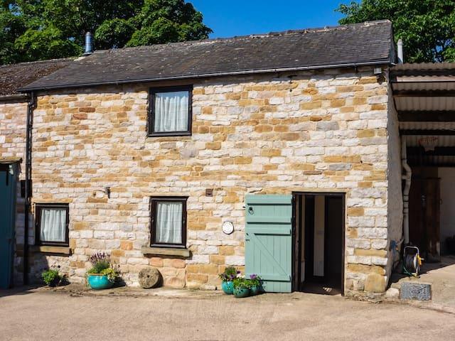 Harry Eyre Cottage, Spring House Farm, Castleton