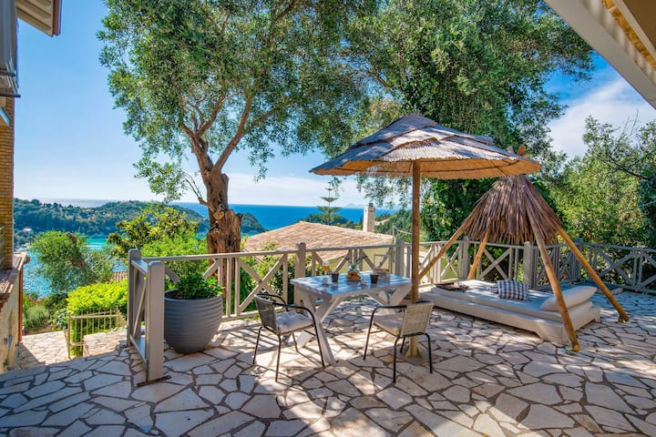 Akis Nest with amazing bay view