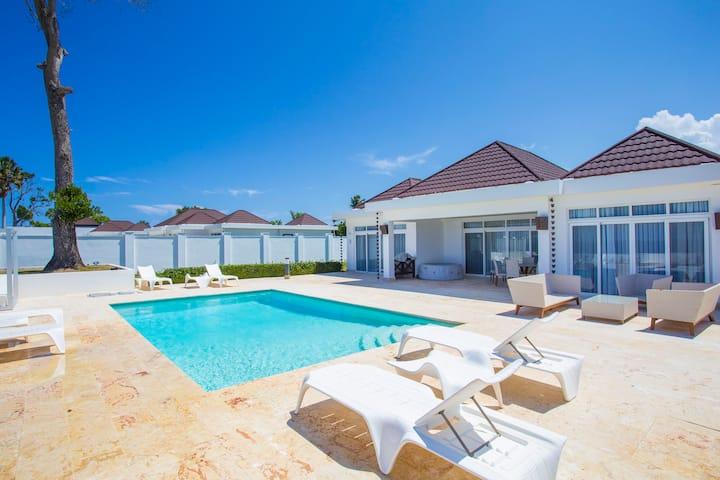 Oceanfront three-bedroom villa