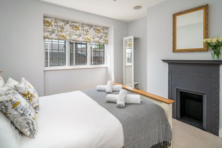 Luxury 2 Bed Apartment, Eton High Street