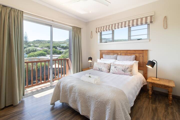 Second Bedroom - Double Bed, BIC, Bright & Airy with Views over Pool