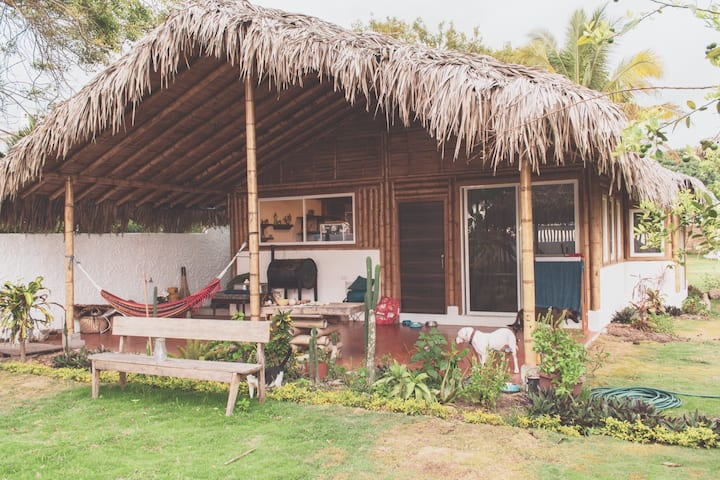 Beachfront Cabin for couples on the beach in Olon